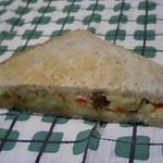 善林庵 - サンドイッチ 320円 具は、りんご・レーズン・おから・きゅうり入りのポテトサラダ♪