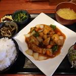 105901109 - 日替り定食(酢豚定食)750円
