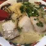 らーめんゲンコツ屋 - とんこつらーめん620円