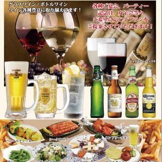 カレーと相性抜群のラッシーや、日本酒・焼酎などのお酒も多数!
