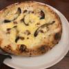ピソリーノ - 料理写真:ベーコンと揚げ茄子のクリームピッツァ