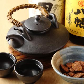 薩摩伝統酒器「黒ぢょか」で呑む焼酎