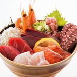 魚太郎 - 料理写真:本日の海鮮丼