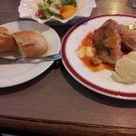 Zakku - チキンのトマトソース