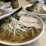泉屋 - 料理写真:先代、おじいさんの味に近づいた、スッキリ美味しい中華そば(2019.4.18)
