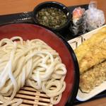 丸亀製麺 - ざるうどん(大)♪ 390円 (ちくわ天・いか天・かしわ天・ 明太子むすび・梅しそむすび)