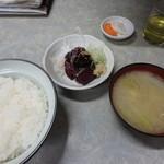 伊勢屋食堂 - さめ心臓漬刺身定¥950