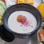 野菜と糀のカフェ このはな - 白ゴマ豆腐 桜トッピング