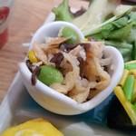 野菜と糀のカフェ このはな - 切干大根ときくらげのピリ辛中華風サラダ