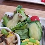 野菜と糀のカフェ このはな - きまぐれサラダ(このはな糀ドレッシング)
