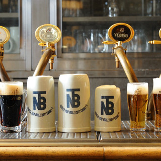 伝統のシュタインジョッキで生ビールの美味しさに乾杯!