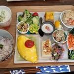 野菜と糀のカフェ このはな - 「このはなワンプレートランチ (1000円)」+「オムレツ (+300円)」