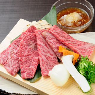 """華やかな香りと濃厚な味、まさに""""熟成肉""""の醍醐味。"""
