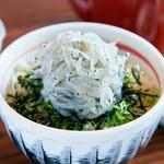 【季節限定!】淡路島の生しらす味めぐり丼