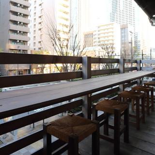 お迎えサービス有!東京の街並みが一望できる人気のテラス席