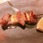 江戸前がってん寿司 - 鮪ほほ肉の串焼き 480円