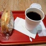 ウフ タマコ サンド - TAMACOとコーヒー