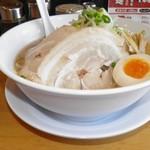 ラーメン剣信 - 濃厚豚骨醤油らーめん 853円