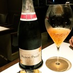 105983541 - ロゼシャンパン