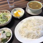 居酒屋モントウ - 料理写真:チキンカレー定食(980円)