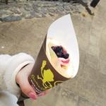 クレープショップサル - ブルーベリーレアチーズクリーム