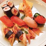 東鮓本店 - 好みの握りが入った特選寿司