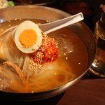 肉匠 牛虎 - 冷麺ランチ880円