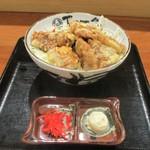 御園天丼 下の一色 - 名物 鯨天丼 780円(税別)。     2019.04.18