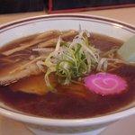 106115 - 金色のスープ 醤油ラーメン  560円