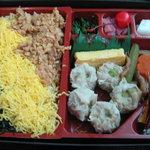 10600978 - 焼麦にかしわめしの豪華弁当(2011.1)
