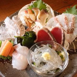 毎朝仕入れる鮮魚をシンプルに!