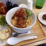 カユゾー - 汁無し坦々麺 900円 + 大盛り 150円 + セット 300円