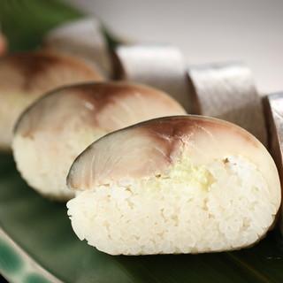 屈指の水揚げ量を誇る銚子で獲れる新鮮な鯖を使ったお料理が自慢