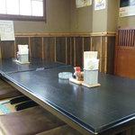 やきとりの拓 - 座敷のテーブル