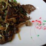 中華居酒屋らいち - 牛肉ときのこの炒め物
