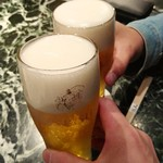 魚貝三昧 げん屋 - 久しぶりーっ!       いつもどおり2人とも生ビールで乾杯~