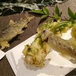 魚貝三昧 げん屋 - 活稚鮎と山菜はこしあぶらと蕗の薹