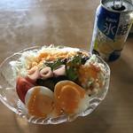 旬菜千味 さぎ草 - 風呂上がりは「ぬくもり亭」で氷結とサラダ