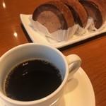 106017386 - 20周年記念でサービスで頂いたコーヒーとデザート