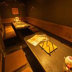 美原のひもの屋 - テーブル席