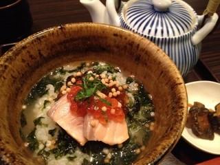 酒菜と大和だし茶漬け 風神 近鉄奈良駅前店 - お出汁をかけて