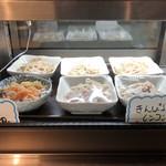 三度の飯より餃子好き - ディスプレイ│定食で選べる小鉢
