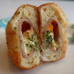 パンやのくっくう - ハムとチーズ クロックドーナツアップ