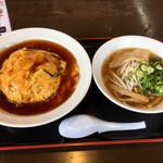うまか飯店 - 料理写真:しょうゆラーメンに天津飯