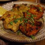 シバカリーワラ - チキンレバーとハツのタンドーリグリル