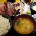 魚菜はざま - 刺身盛り合わせ定食 1,200円