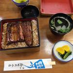 谷田川 - 料理写真:鰻重の蓋を開ける瞬間は幸せです!