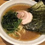 横浜家系ラーメン 満月家 - 料理写真: