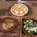 PIZZA &TAPAS cibo -