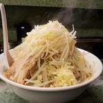 ラーメン二郎 - キャベツはほぼナシ